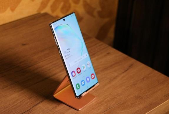 最强Android自拍手机排名出炉!三星旗舰Note 10竟仅排第四