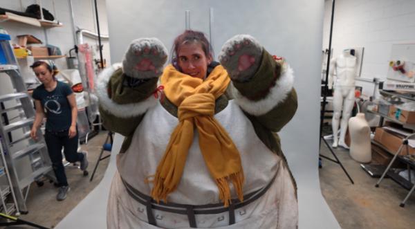 12 人齐心打造《怪物猎人世界:Iceborne》料理长Cosplay