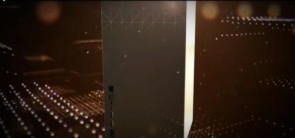 AMD CES发布会中曝光的Xbox Series X背面照 但实为假图