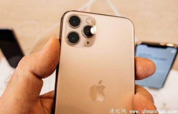 iPhone背面敲两下和三下功能在哪里设置